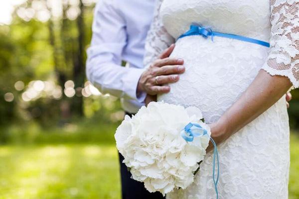 Как быстро зарегистрировать брак в день подачи заявления: при беременности или болезни